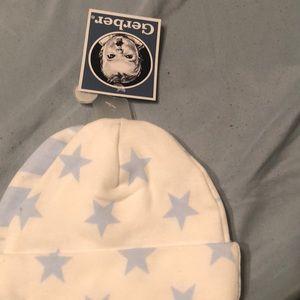Neeborn 0-3 caps bonnet brand new never been worn